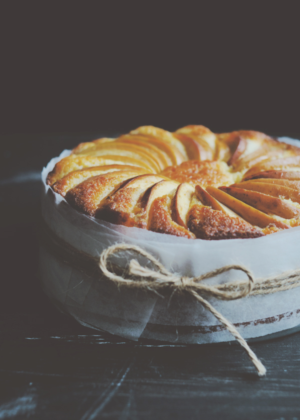 Lemon Yoghurt & Apple Cake