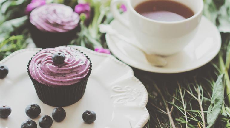 Lemon Poppseed Cupcakes_FEATURE IMAGE