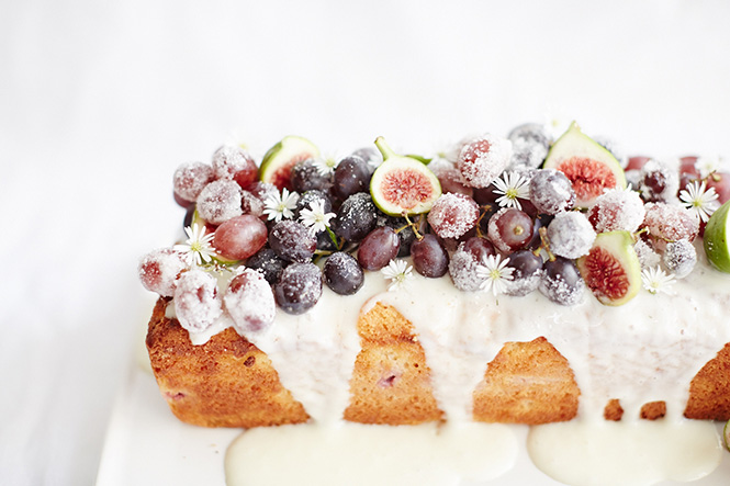 Yoghurt-Grape-Cake_with-figs