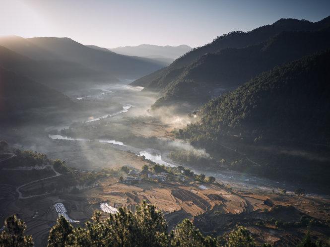 Bhutan - Punakha Khamsum Yulley _191208_00012